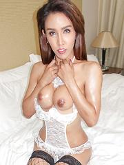 Hung Showgirl Gooey Bareback Cum