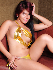 Apple Porter returns with new titties!